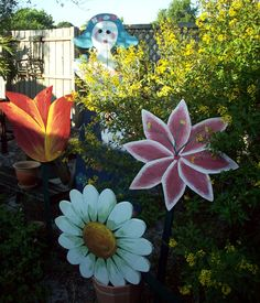 Giant wooden flowers