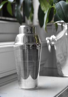 1930s German ART DECO BAUHAUS Cocktail Shaker by CARL DEFFNER ESSLINGEN swissness29@yahoo.com SOLD