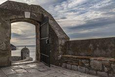 Dubrovnik für Frühaufsteher - Reisetipp Dubrovnik, Croatia, Travel Tips, Building, Sunrise, Old Town, Travel Advice, Traveling, Buildings