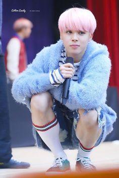 A melhor foto do Jimin de cabelo rosa