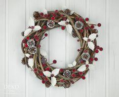DIY: Adventný dverový veniec s bielymi listami a kužeľmi Deko-Kitchen
