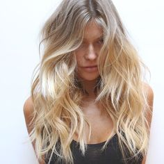 Best Haircut Trends to Try if You Love Your Long Hair - Hair Salon Greenwood Village CO Good Hair Day, Great Hair, Messy Hairstyles, Pretty Hairstyles, Blonde Hairstyles, Beach Hairstyles, Style Hairstyle, Men's Hairstyle, Formal Hairstyles