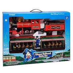 Walt Disney World Resort Railroad Train Set Disney Toys, Disney Fun, Disney Mickey, Disney World Hotels, Walt Disney World, Disney Figurines Set, Christmas Train, Christmas Ideas, Adventures By Disney