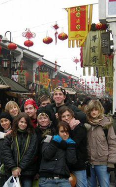 Polnische Schülergruppe kommt mit CHINA REISE EXPERTE nach China für eine erlebnisreiche Klassenfahrt.