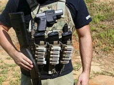 I wonder if this would be 3 gun approved and if so if it would even be practical to use or just get in the way Tactical Life, Tactical Vest, Tactical Clothing, Tactical Survival, Survival Gear, Battle Belt, Airsoft Gear, Tac Gear, Chest Rig