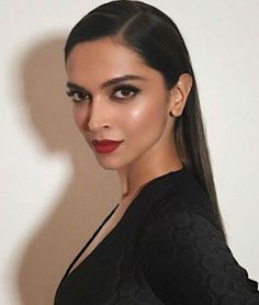 Aren't we loving this Bollywood-Hollywood exchange programme? #Deepika #Ellen #Bollywood http://www.glamoursaga.com/deepika-padukone-to-shoot-for-the-ellen-degeneres-show/