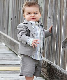 dapper dude lol why does he make me think of Chris Farley?