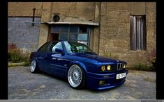 This European Spec Blue BMW E30 is fitted nicely with a nice set of BBS RC wheels. The BBS RC wheels look to be a staggered 17′s and look to fit the E30 very nicely.