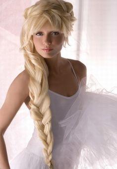 I love this!! Elsa hair