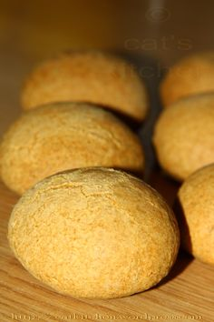 Turta dulce Soul Food, Cornbread, Cookies, Ethnic Recipes, Long Hair, Hair Styles, Sweets, Millet Bread, Crack Crackers