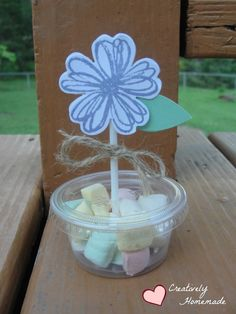 Learn how to make these cute DIY Flower Party Favors - great for birthdays, wedding favors, bridal showers, a& baby showers. Quick and easy to make!
