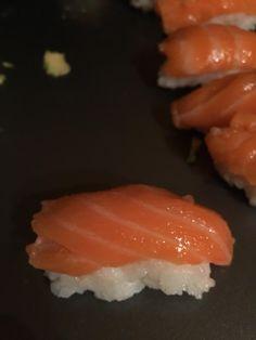 [Homemade] Salon nigiri style sushi http://ift.tt/2jsITFj