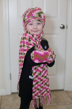 cb9452a2d9f Little Girls Crochet Slouchy Hat Scarf and Mitten Set by Mandyssewingroom  on Etsy Crochet Slouchy Hat