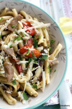 Pasta dishes can be healthy! This Penne with Porcini Mushrooms & Cherry Tomatoes packs a nutritional punch and is super delicious. Porcini Mushrooms, Stuffed Mushrooms, Stuffed Peppers, Wine Recipes, Pasta Recipes, Cooking Recipes, What's Cooking, Crockpot Recipes, Cherry Tomato Recipes