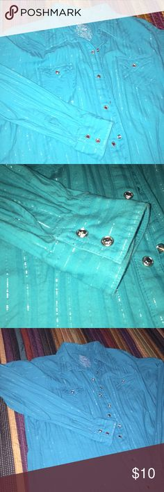 Twenty x Aqua real with silver Beautiful shirt!!! Bright aqua color with silver thread throughout.  Each pearl snap has a rhinestone. This is a perfect shirt for any rodeo!  Smoked free home twenty x Tops Button Down Shirts