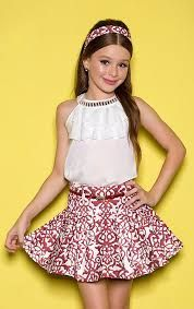 Skirt and children's shirt sets - girl diforini moda infanto juvenil 121352 Fashion Kids, Young Fashion, Fashion Outfits, Little Girl Outfits, Kids Outfits, Cute Outfits, Cute Young Girl, Girls World, Tween Girls