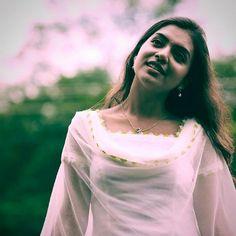 Beauty Pictures: Nazriya Nazim Radha Krishna Photo, Krishna Photos, Kerala Bride, South Indian Bride, South Indian Actress Photo, Nazriya Nazim, Tamil Brides, Party Sarees, Malayalam Actress