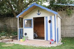 See what Jenni from the Ginger Bisquite Blog did to our playhouse! We love the nautical theme; take a look at how Jennie created this.