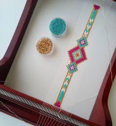 #ailesetmoi #miyuki #miyukiaddict #tissage #delica #perles #manchette #bracelet #jenfiledesperlesetjassume #perlezmoidamour #metieratisser #tutoperlesandco