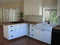 Beautifully updated mobile home kitchen.