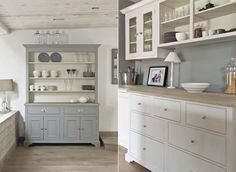 pale and 'clean' chalky colour palette for the kitchen
