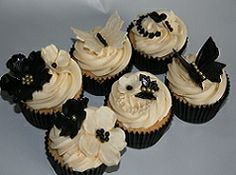 20 Best Wedding Cupcakes Cream Black And Gold Images Cupcake