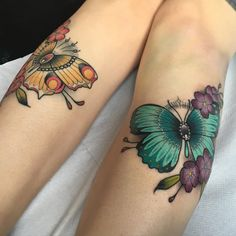 Fresh butterfly of this pair, left is healed, so much fun! Loving colour work at the moment #tattoos #tattoo #colour #colourtattoo #neotrad #neotradsub #neotraditional #girlytattoo #girlytattoos #tattooworkers #uktta #uktoptattooartists #butterflytattoo