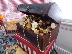 Treasure chest at a Pirate Party #pirateparty #treasurechest