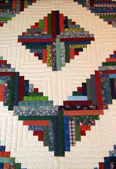 log cabin quilt pattern variations | Close up view of center diamond that typifies pattern