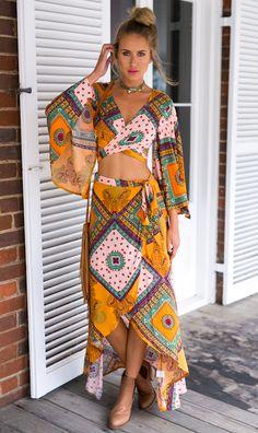 Bohemian golden native tribe wraps with patchwork design beautiful diamond boho chic skirt wrap Boho Outfits, Skirt Outfits, Boho Fashion, Fashion Dresses, Womens Fashion, Latest Fashion, Boho Chic, Ethnic Chic, Estilo Hippie