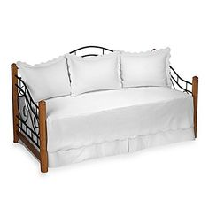 """Product review for Matelasse Daybed Bedding Set in White.  - Matelasse Daybed Bedding Set features luxurious matelassé quilting and elegant scalloped edges Daybed set includes: 39"""" W x 75"""" L daybed Three 20"""" W x 26"""" L pillow shams 15"""" drop bed skirt 80% polyester/20% cotton       Famous Words of ....  Continue reading at  https://www.bestselleroutlet.net/bedding/bedding-sets-collections/daybed-sets/product-review-for-matelasse-"""