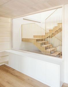 Light-framed staircase to home renovation in Spain - Arrokabe Arquitectos