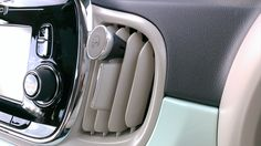 Spinidoスピニド®iPhone6/6Plus/5s/5c対応マグネット式スマホフィン 車載ホルダー エアコン 吹き出し口 エアーベントフィン 取付 タイプ