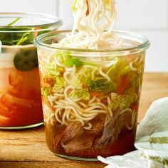 on ramen Meals In A Jar, Meals For Two, Dump Dinners, Mug Recipes, Batch Cooking, Noodle Soup, Beef Broth, Meal Prep, Peanut Butter