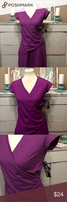 NWT Athleta Sport Purple Lycra Dress Sz Small This is an Athleta dark purple Lycra sport dress. Dress has cap sleeves and a fitted bodice. Dress is polyester and Lycra. Dress length is Dress is New With Tags and is from a smoke-free home. Fitted Bodice, Dark Purple, Cap Sleeves, Smoke Free, Tags, Formal Dresses, Sports, Closet, Things To Sell