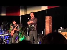 Chicago Supernatural Con 2014: Gil McKinney singing