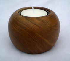 Wooden Chestnut Tea Light Candle Holder van WoodExpressions op Etsy, $24.99