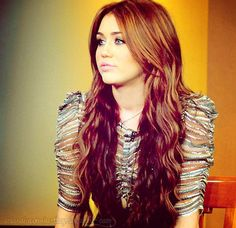 Miley Cyrus... before the haircut...