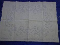 フランスアンティーク 手刺繍図案布 デッドストック リーフ 56_エレガントな仕上がりになりそうな一品♪