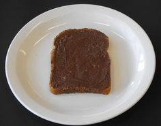 Boterham met boter en chocoladepasta