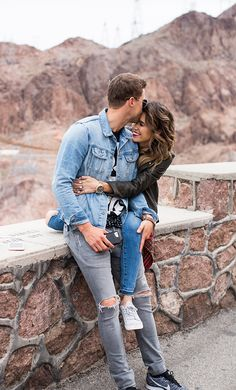 A cute Vegas getaway Couple Photoshoot Poses, Couple Photography Poses, Couple Posing, Couple Shoot, Engagement Photography, Image Couple, Photo Couple, Love Couple, Couple Goals
