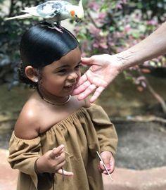 aww she's so cuteee Cute Kids, Cute Babies, Baby Kids, Baby Baby, Future Daughter, Future Baby, Beautiful Children, Beautiful Babies, Style Feminin