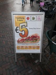 Sterk: boodschap en welke broodjes voor 5 euro zijn Zwak: actieperiode?
