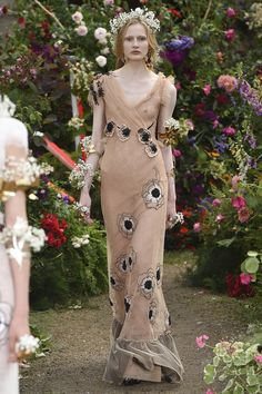 Rodarte Spring 2018 Ready-to-Wear  Fashion Show - Leah Rodl