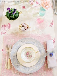 The Villa on Mount Pleasant: Pretty Easter Table