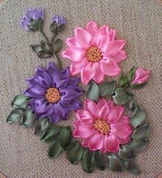 Wonderful Ribbon Embroidery Flowers by Hand Ideas. Enchanting Ribbon Embroidery Flowers by Hand Ideas. Ribbon Embroidery Tutorial, Hand Embroidery Flowers, Silk Ribbon Embroidery, Embroidery Art, Embroidery Stitches, Embroidery Patterns, Ribbon Art, Ribbon Crafts, Band Kunst