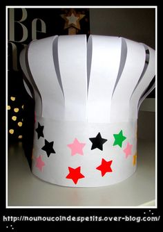 Kids Food Crafts, Mothers Day Crafts For Kids, Diy For Kids, Chef Hats For Kids, Kids Hats, Hat Crafts, Diy Resin Crafts, Paper Chef Hats, Community Helpers Crafts