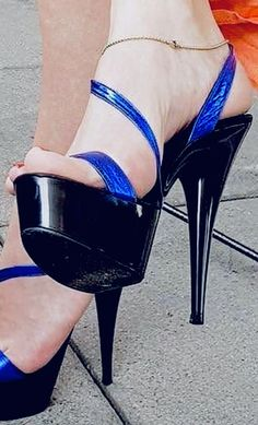 Sexy High Heels, Beautiful High Heels, Sexy Legs And Heels, Hot Heels, Platform High Heels, Strappy Heels, High Heel Pumps, Pumps Heels, Stiletto Heels