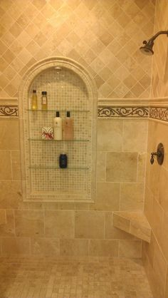 Traditional Travertine Shower with Travrtine Mosaic Pictue-Framed Niche