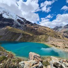 Visita la laguna humantay ubicada al norte de la ciudad del Cusco. Un tour de mucha aventura y hermosos paisajes. Peru, Main Attraction, Tours, City, Water, Outdoor, Image, The Great Outdoors, Camping